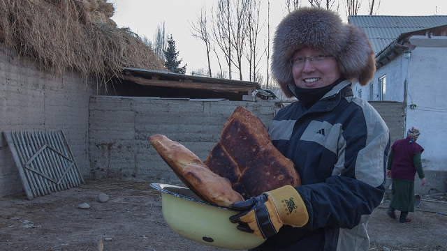 nah hambik kau! bapak roti! Kyrgyz styyllleeee.... :)
