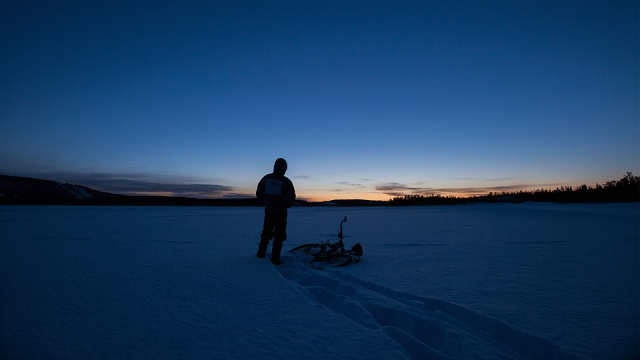 watching the sunset at the frozen lake. clear sky, big chance for me to witness the northern lights!