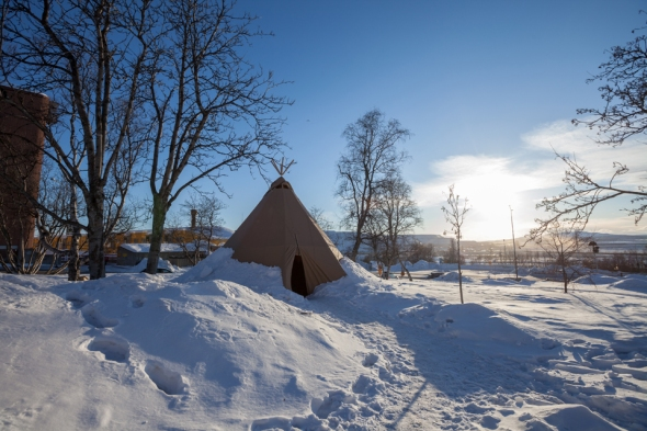 Sami hut, looks almost similar to Kyrgyz yurt but much more simpler