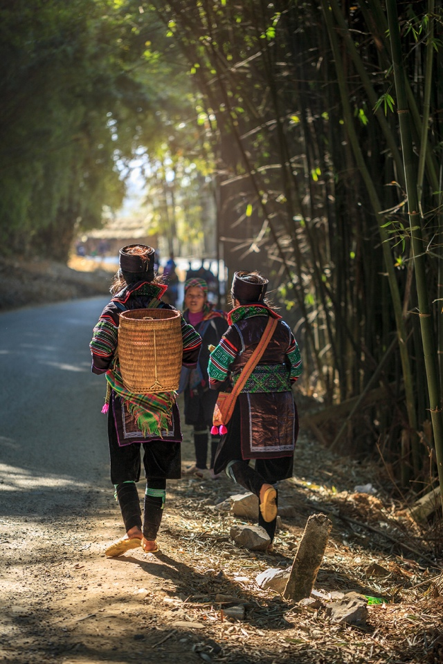 morning light in the Hmong village