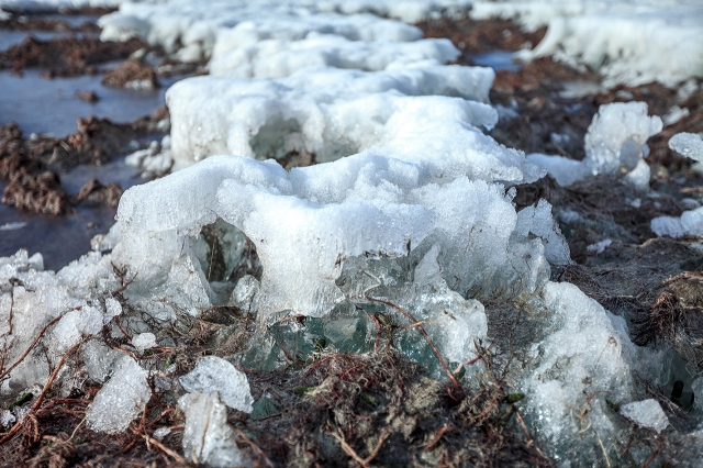 the lake of TsagaanNuur is still frozen... hard packed ice