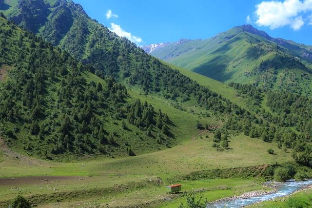 beautiful valleys of Sussamyr