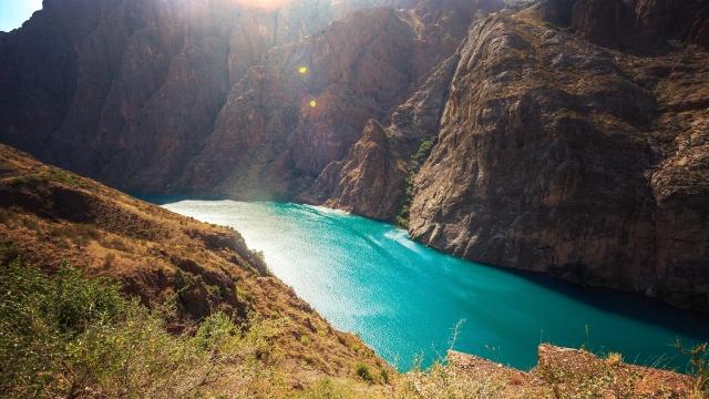 beautiful river during the climb towards Karakul
