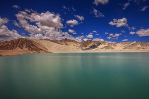 Scenery along the Karakoram Highway